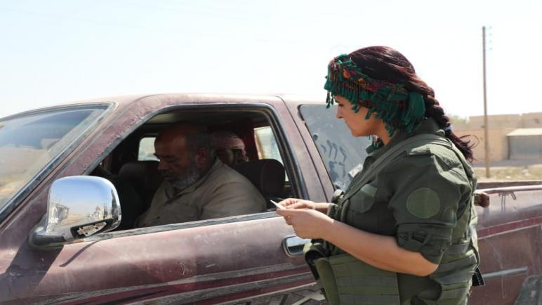 جانب من الاحترازات الأمنية التي تقوم بها قواتنا المرأة اليوم 25سبتمبر/أيلول .